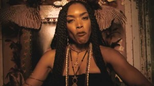 angela-bassett-covern-american-horror-story