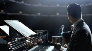 Elijah-Wood-in-Grand-Piano-2013-Movie-Image-650x364